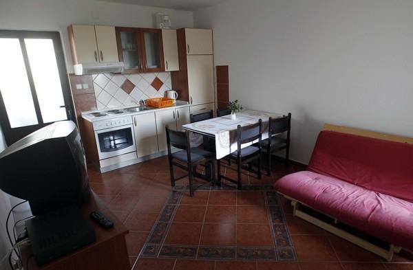 Blagovaona sa kuhinjom - Apartmani Ana Lopar