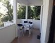 Terasa sa stolicama i stolom - Apartmani Ana Lopar