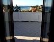 Pogled iz terase na more i obalu – Apartmani Ana Lopar